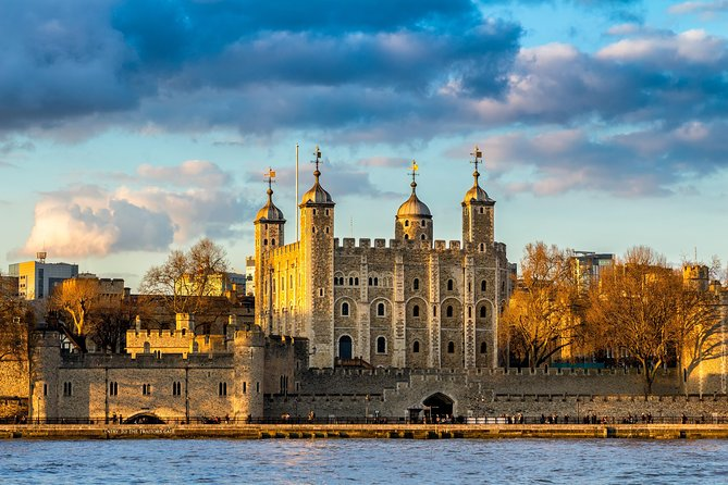 Tower of London & Tower Bridge Private Tour for Kids and Families