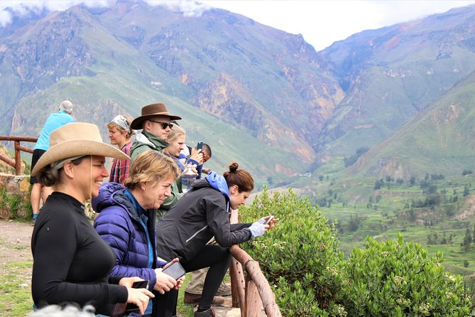 Full day tour to Colca canyon / private tour for couples