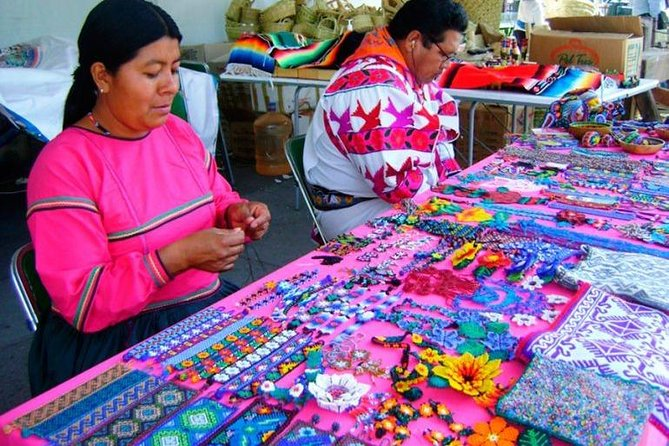 Tonalá and Tlaquepaque Crafts and Art Small-Group Tour photo 4