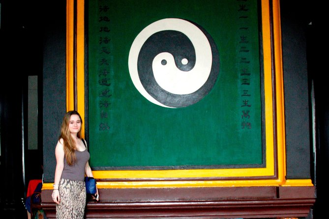 Half Day City Walk to Experience Chinese Taoism and Tibetan Culture