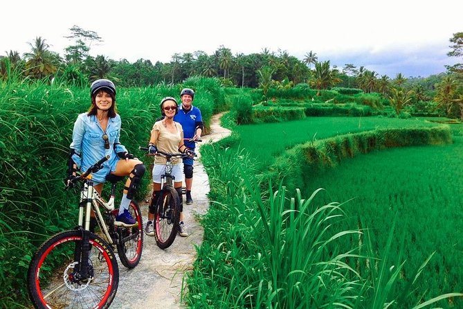 Full-Day Bali Cycling Adventure and Exploring Tour to Uluwatu Temple