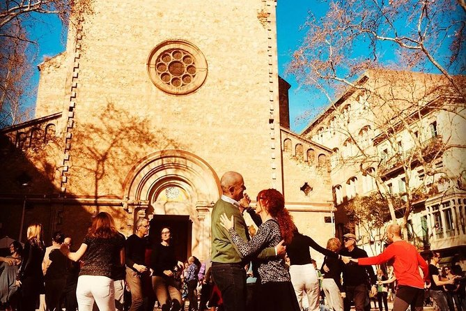 Barcelona - A Magical Evening in Gràcia (Private Tour with an Architect)