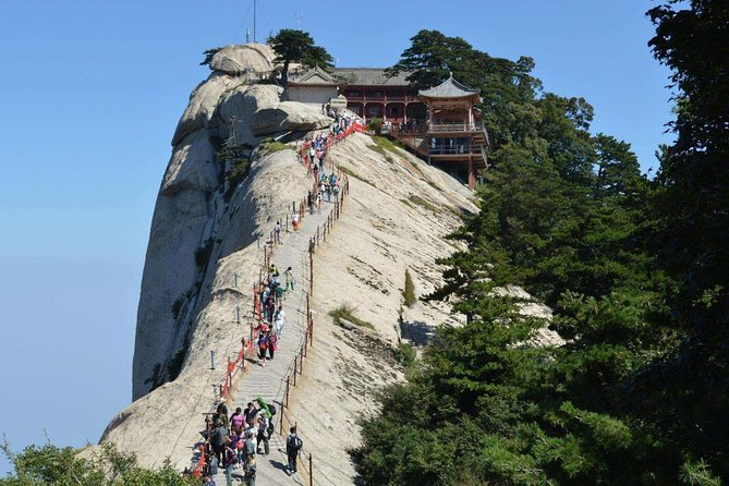 2-Day Xi'an private Trip to Mount Huashan and Terracotta Army