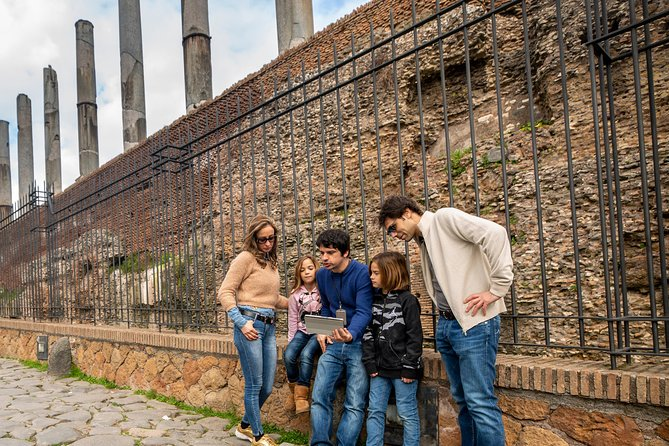 Skip-the-line Colosseum & Roman Forum for Kids & Families w Hotel Pick Up