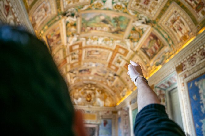 Vatican Highlights Tour with Skip-the-line Fast Access Sistine Chapel & St Peter