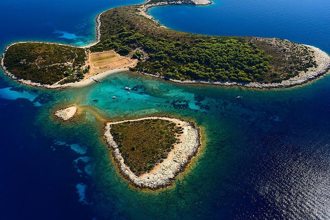 Private Boat Tour to Vis, Blue Cave, Stiniva and Blue Lagoon