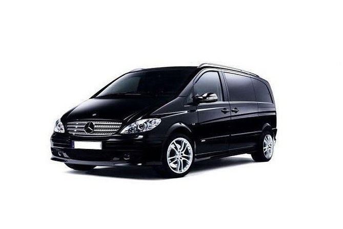 Private Transfer from Dublin city(all areas) to Dublin airport One way Minivan