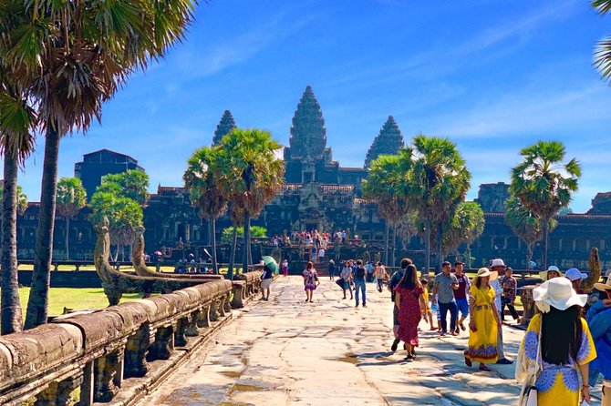 Amazing Angkor Wat Small tour