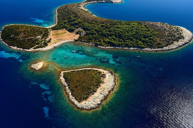 Full Day Private Boat Tour to Blue Cave, Budikovac, Hvar and Pakleni Islands