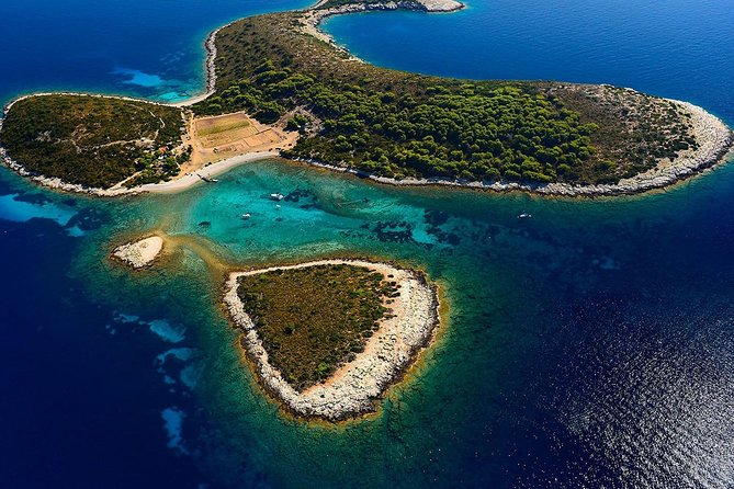 5 Islands Private Boat Tour to Blue Cave,Budikovac, Hvar and Pakleni Islands