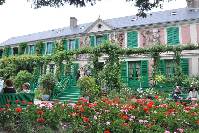 Private 5-hour Tour to Monet's house in Giverny from Paris with Hotel Pick Up