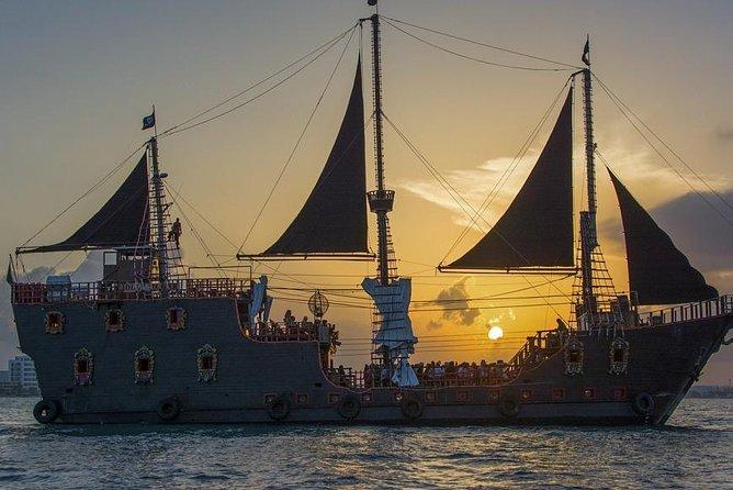 Jolly Roger - Pirate Ship, Show & Dinner