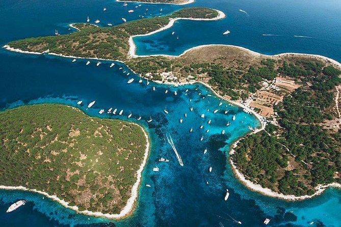 Private Boat Tour to Golden Horn , Hvar and Pakleni Islands