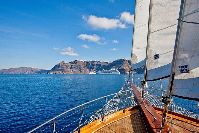 Santorini Volcano, Hot Springs, Thirasia & Oia Village Cruise with Bus Transfer
