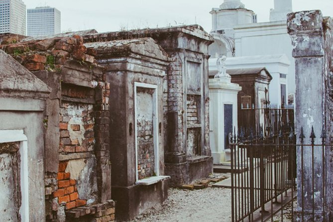 Highights Of New Orleans: Voodoo & Cemetery Tour