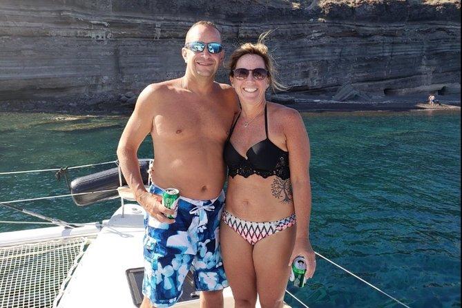 360 Tour: 5-Hour Private Santorini Tour & Small-Group Sunset Sailing Cruise