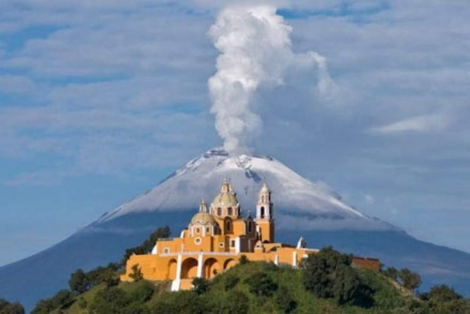 PRIVATE Tour Pyramid of Cholula and its churches