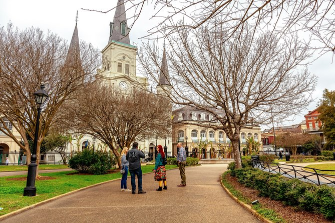 Highlights & Hidden Gems With Locals: Best of New Orleans Private Tour