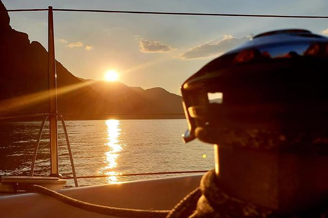 Sailing at Sunset on Lake Como: How to escape from daily routine