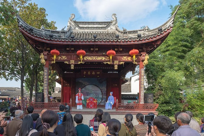 Shanghai Day Tour to Tongli Ancient Town and Tuisi Garden