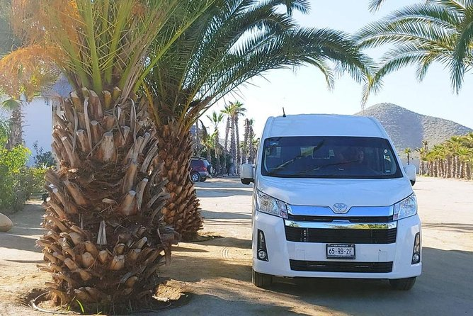Roundtrip Private Transfer from Airport to Cabo San Lucas