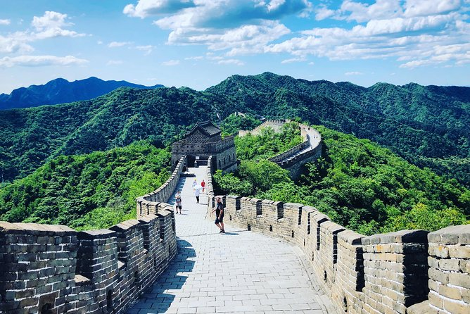 All Inclusive Tour to Mutianyu Great Wall and Silk Market