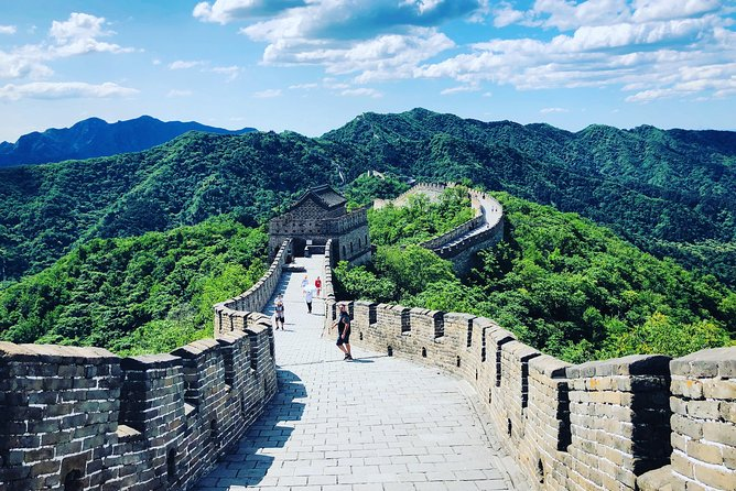 All Inclusive Great Wall Tour with Hutong Rickshaw Experience