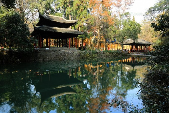 Hangzhou Private 2-Day Tour from Shanghai with Lingyin Temple