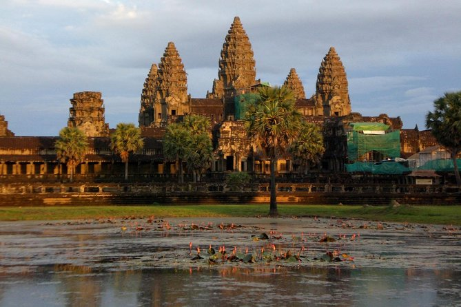 1 Day- Angkor Wat By Small Tour & Siem Reap: Phare, the Cambodian Circus