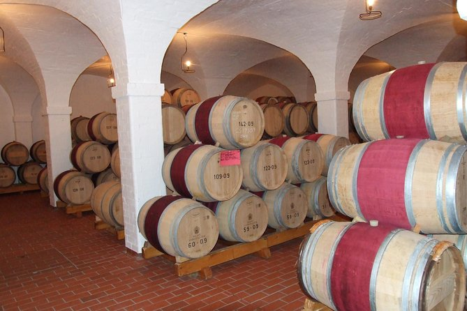 Fine Wines & Vines Full Day Tour