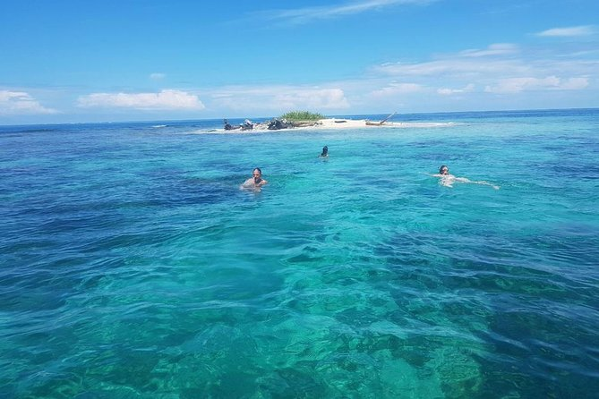 2 Days San Blas in Private Cabin on Aroma Island PLUS Boat Tour and Meals