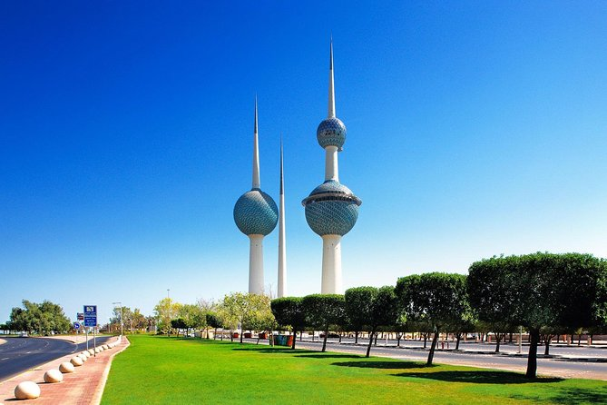 6 Hours Architecture tour : The Kuwait Towers & The Scientific Center