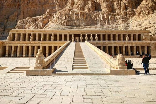 Full Day Tour to East and West Banks of Luxor Highlights Including Lunch