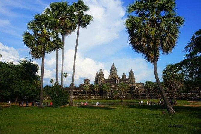 Angkor Wat by Tuk Tuk Full Day private Tour