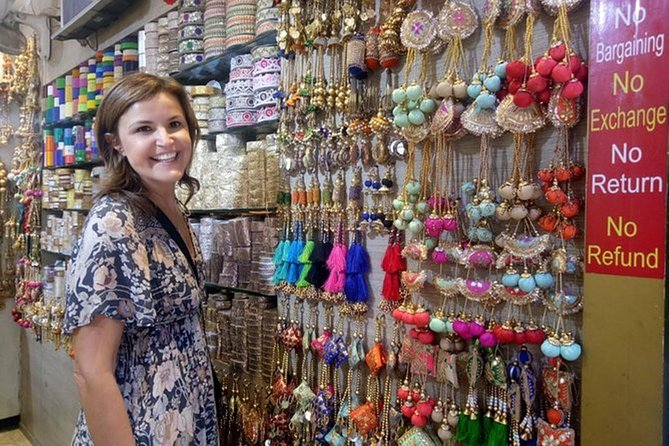 Full Day Customized Delhi Shopping Tour with Female Consultant