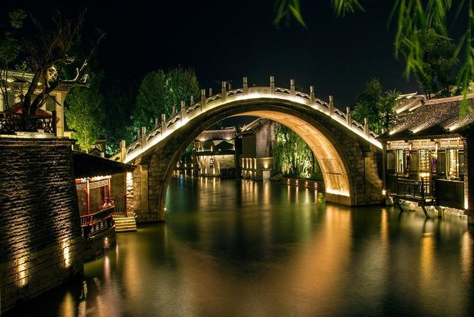 1-Day Private Tour: Simatai Great Wall Hiking and Gubei Water Town Night View