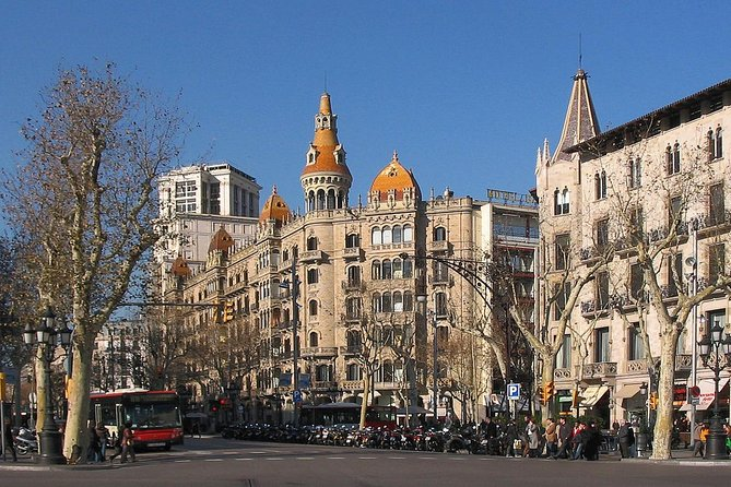 Barcelona - L'Eixample Food Tasteing & Architectural Highlights (Private Tour)