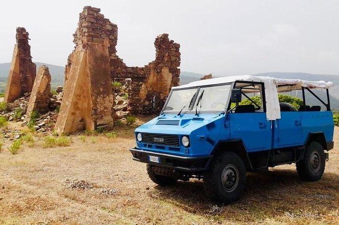 BUGGERRU & SCIVU TOUR beach on military vehicle