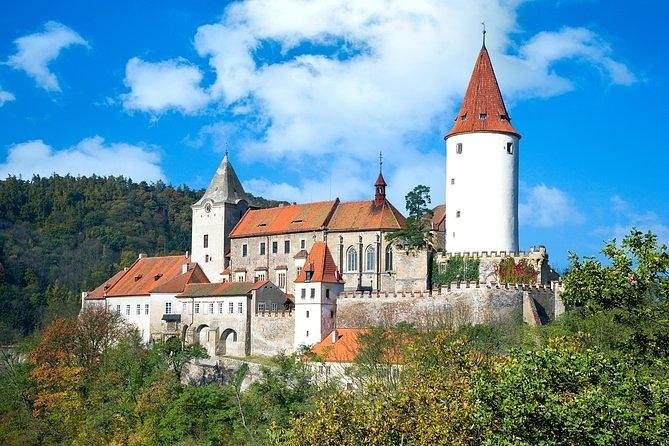 Prague TOUR - Castle, Beer Factory and WW II Memorial (cabriolet avaliable)