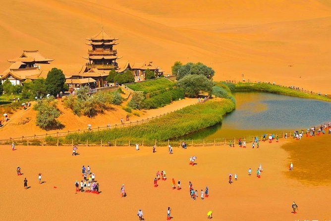Dunhuang Private Day Tour: Mogao Grottoes,Singing Dunes and Crescent Moon Spring