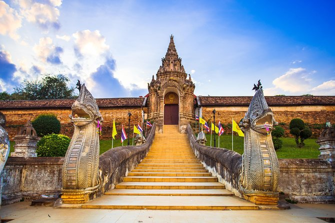 Full Day Ancient Lamphun and Hariphunchai Tour from Chiang Mai with Lunch