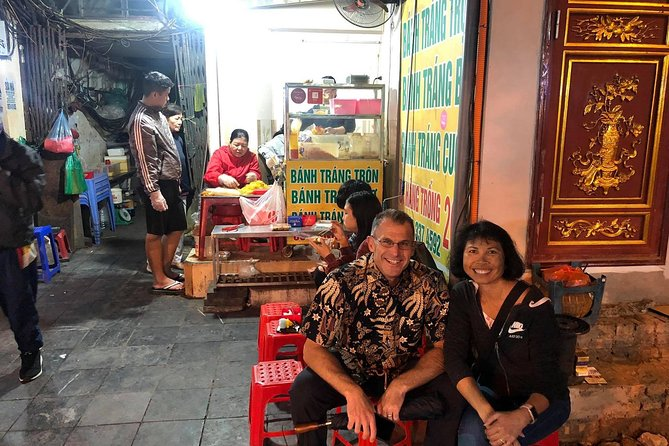 Hanoi street food walking