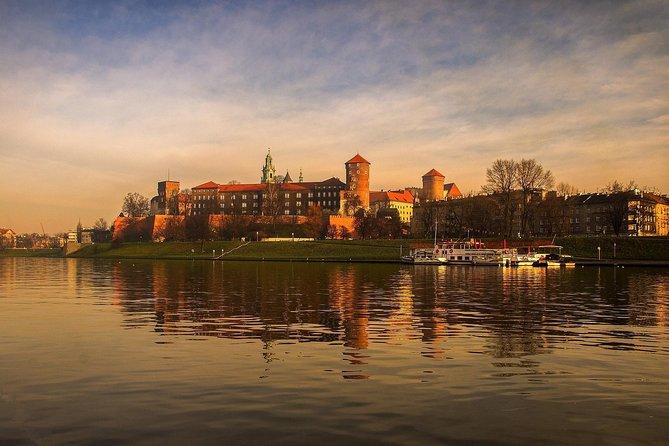Poland 4 Days Tour: Krakow, Auschwitz & Wieliczka Salt Mine
