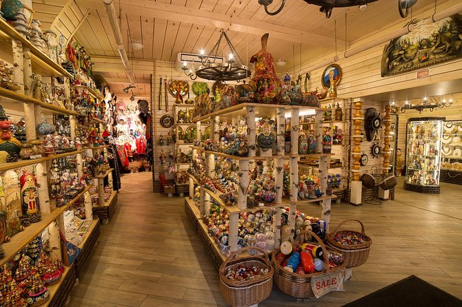 St Petersburg Grand Shopping Private Tour: Russian markets and local brands