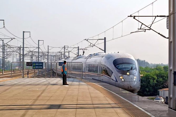 Private Liuyuan Train Station Arrival Transfer to Dunhuang City Hotels