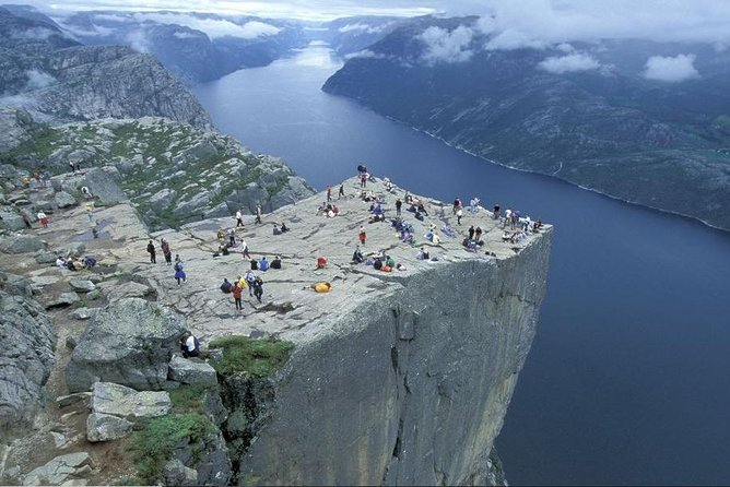 "Day tour to the Pulpit Rock and Lysefjord - ""Hike and Cruise"" from Stavanger"
