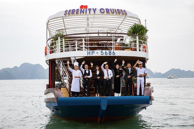 Full-Day Halong Bay and Lan Ha Bay Luxury Cruise from Hanoi
