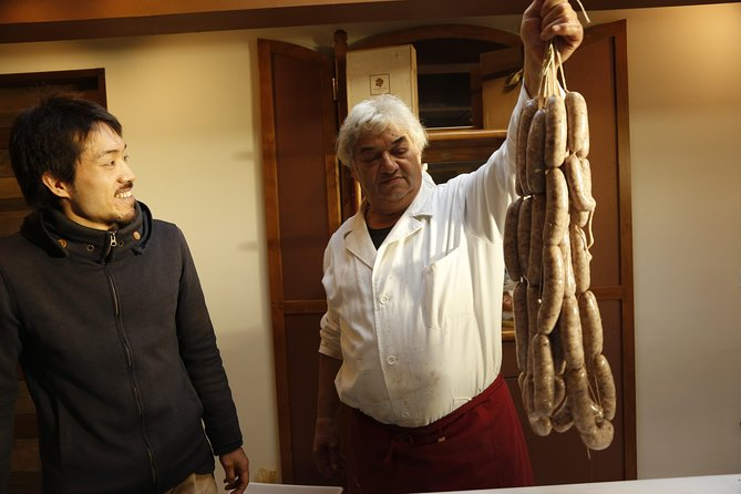 Traditional Tuscan Butchery course with Lunch in Organic farm