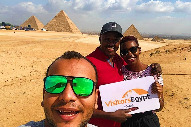 Amazing Day Tour to Pyramids of Giza and Egyptian Museum