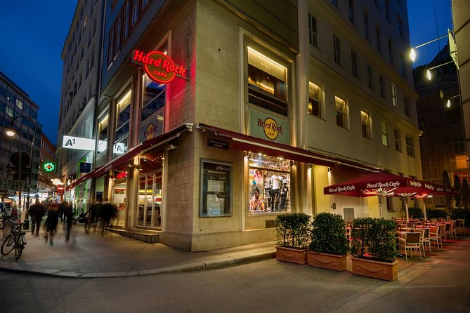 Skip the Line: Hard Rock Cafe Vienna Including Meal